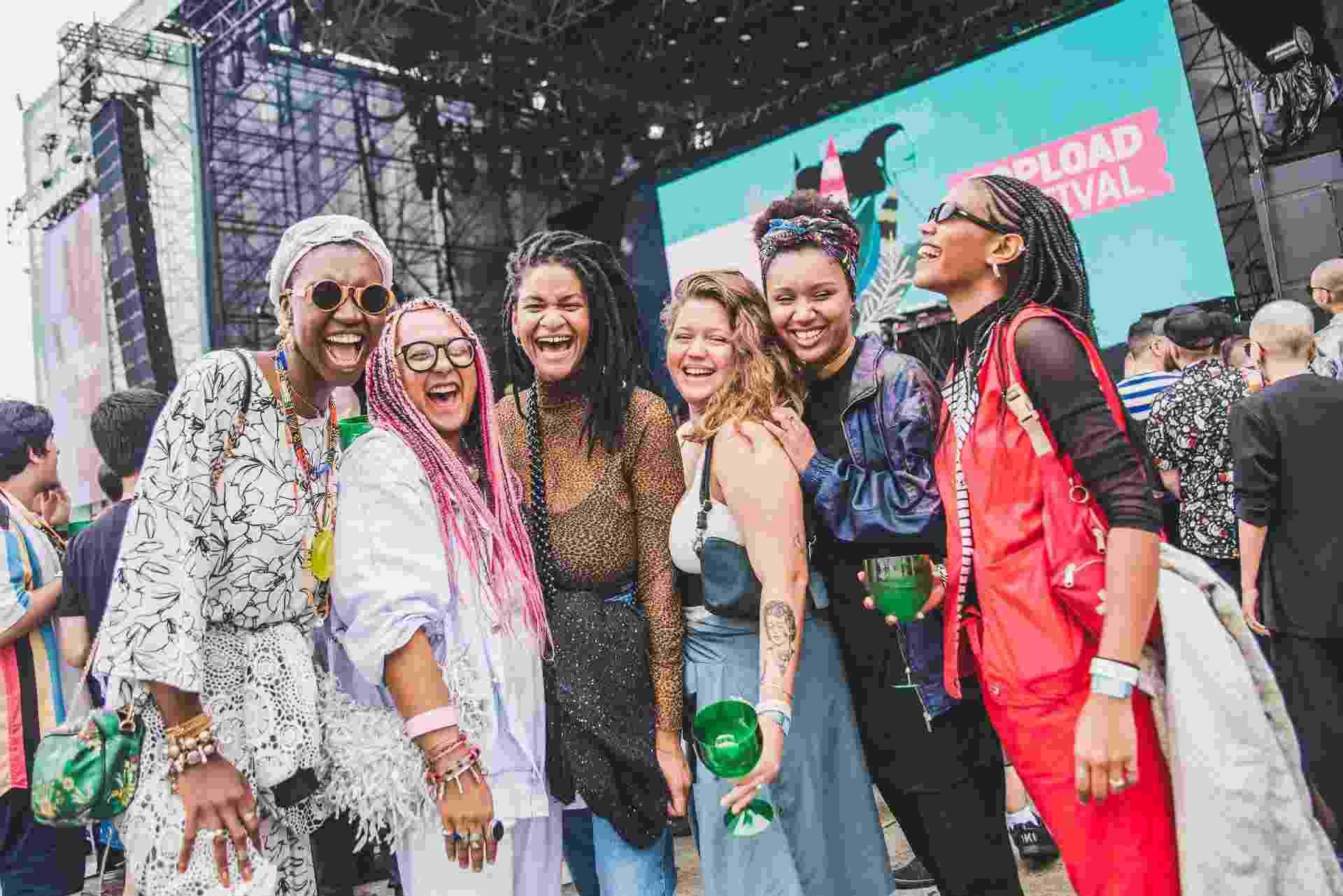 Público do Popload Festival caprichou nos looks para os shows em SP - Fernanda Tiné/UOL