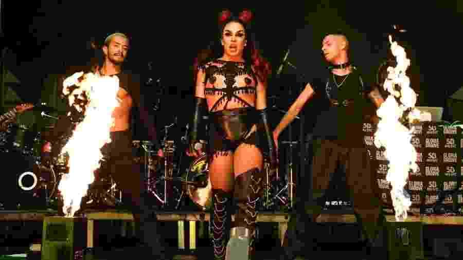 O show da cantora Glória Groove era uma das atrações mais esperadas do Festival Agrada Gregos  - Gabriela Cais Burdmann/UOL