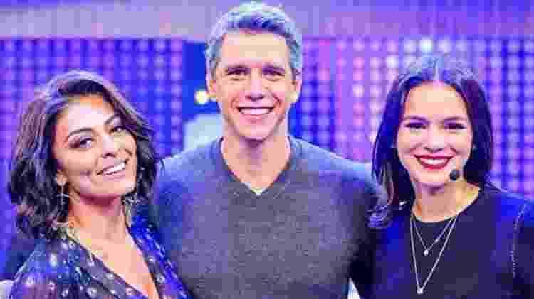 Márcio Garcia entre Juliana Paes e Bruna Marquezine, no 'Tamanho Família' - Reprodução/ Instagram - Reprodução/ Instagram