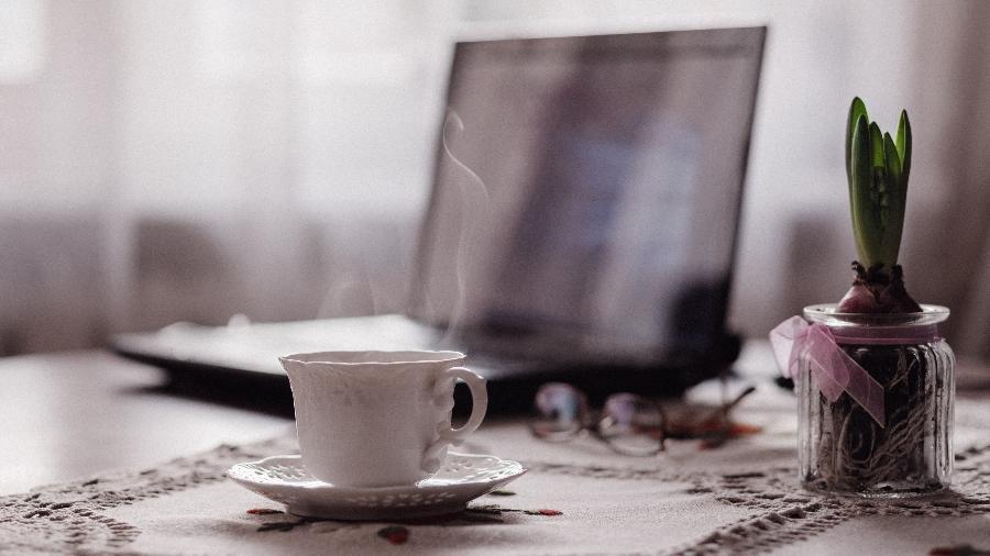 Pela pesquisa, a percepção de 71% dos executivos é de que o desempenho em casa está igual - Unsplash