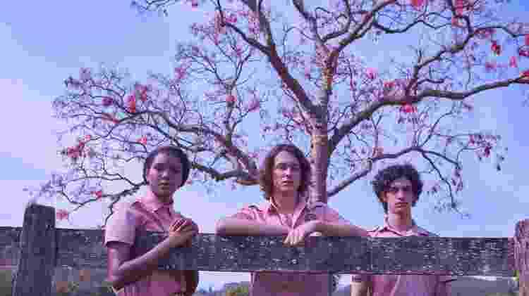 Fran (Iza Moreira), Chico (Michel Joelsas) e Alex (Caio Horowicz) em 'Boca a Boca', da Netflix - Divulgação/Netflix - Divulgação/Netflix