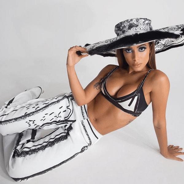 "A cantora Anitta divulga single ""Me Gusta"""