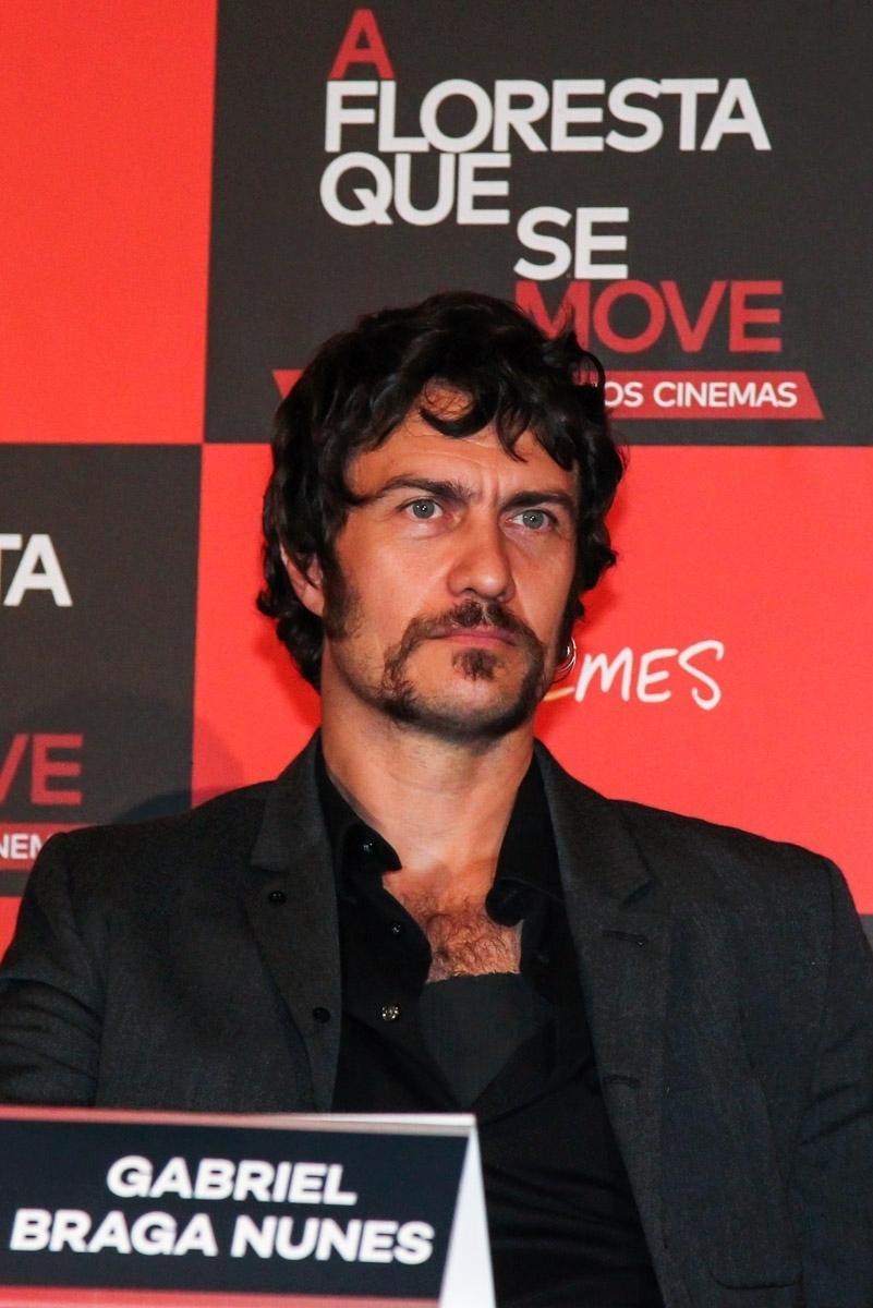 27.out.2015 - O ator Gabriel Braga Nunes durante a coletiva de imprensa sobre o filme