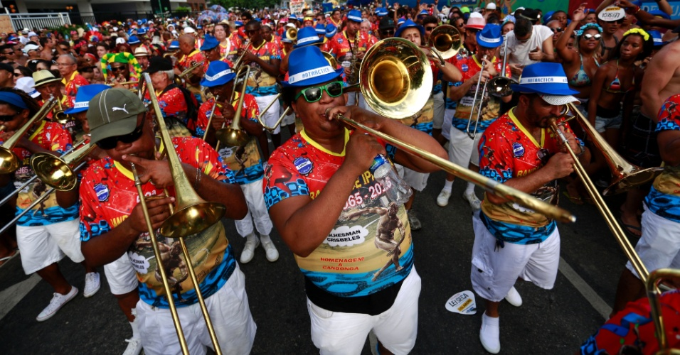 6.fev.2016 - Bloco Banda de Ipanema desfila no Rio