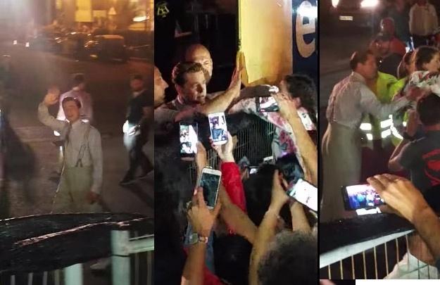 Brad Pitt se preocupa com fã mirim espremida por multidão nas Ilhas Canárias