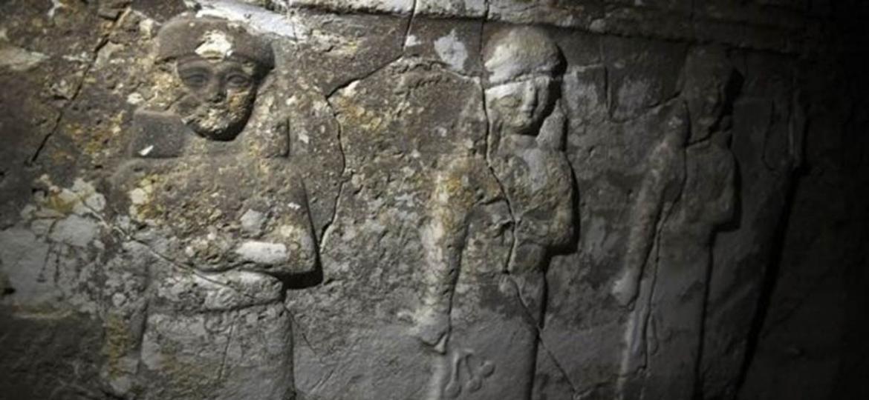 Túneis cavados pelo EI no Iraque acabaram revelando artefatos desconhecidos - Getty Images