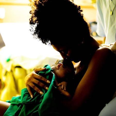 Sheron Menezzes e seu bebê recém-nascido, Benjamin - Reprodução/Instagram