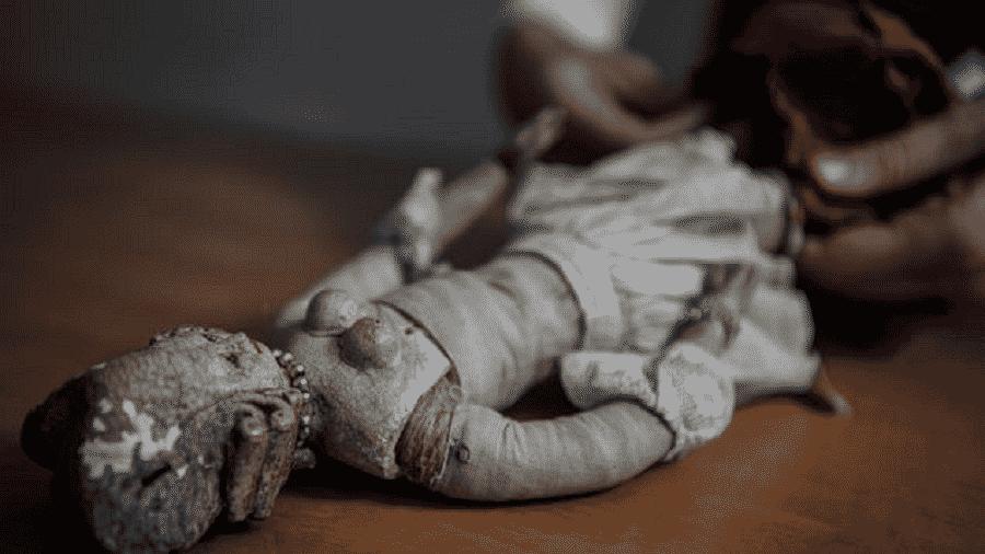 Boneca da corte de Luís 16 - Philippe Desmazes/AFP