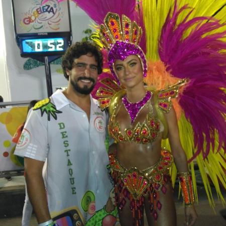 Musa da Grande Rio, Thaila Ayala posa na avenida com o namorado, Renato Góes - Liane Rosa/UOL