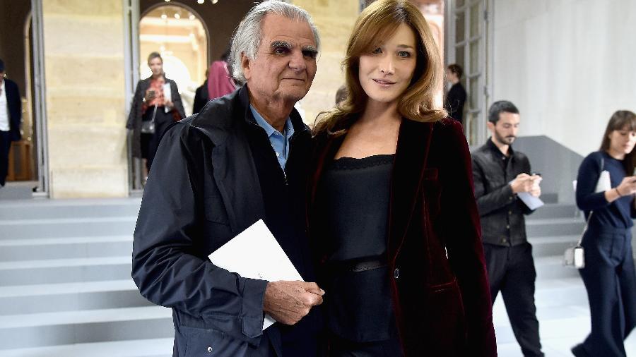 Patrick Demarchelier e Carla Bruni, em evento em Paris - Getty Images