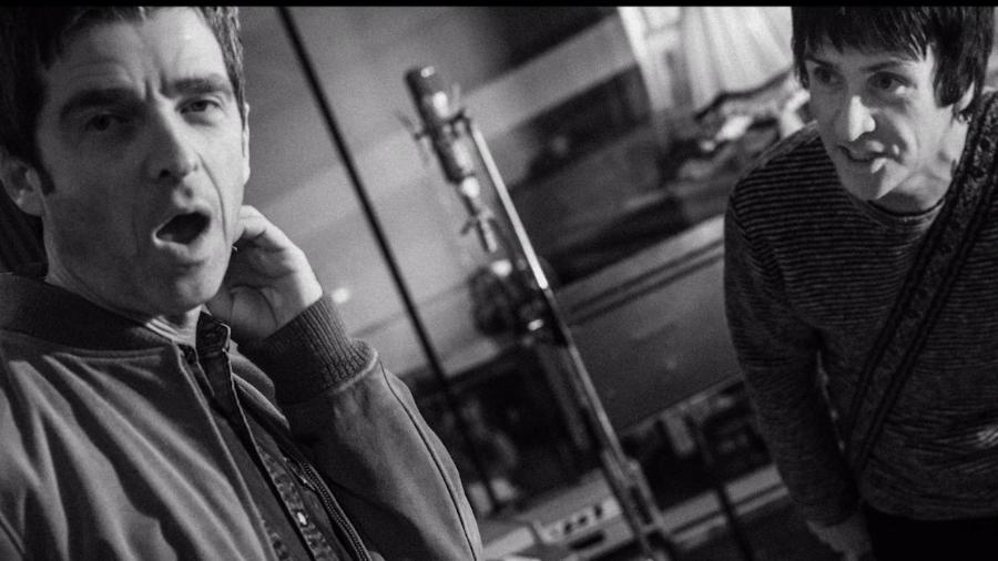 Noel Gallagher e Johnny Marr juntos em estúdio - Reprodução