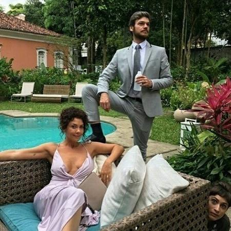 """Emilio Dantas e Fabiula Nascimento no set de """"Segundo Sol"""" nas últimas gravações - Reprodução/Instagram"""