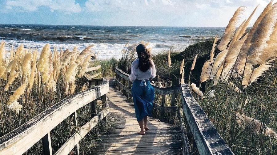 Débora Nascimento decidiu curtir o Carnaval nas praias uruguaias  - Reprodução/Instagram/@debranascimento
