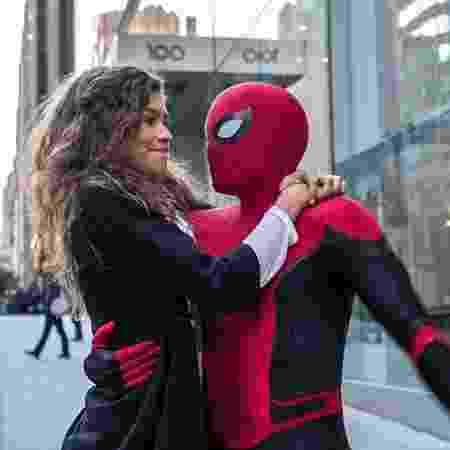 Homem-Aranha (Tom Holland) e MJ (Zendaya) em cena de Homem-Aranha: Longe de Casa - Divulgação