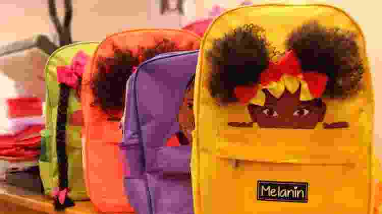 As mochilas Melanin têm estampas e apliques de cabelos inspirados em meninas negras - Paula Lima Fotografia/Divulgação