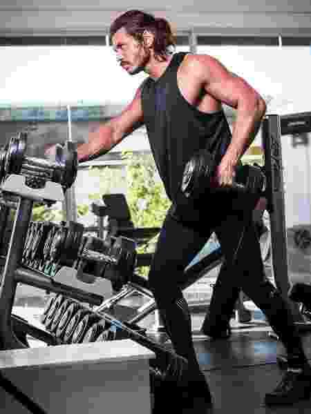 Franklin também passou a dividir sua rotina de exercícios na web - Lucas Seixas/UOL