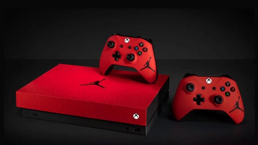Microsoft e Nike lançam Xbox One X com logo de Michael Jordan - Reprodução/Twitter