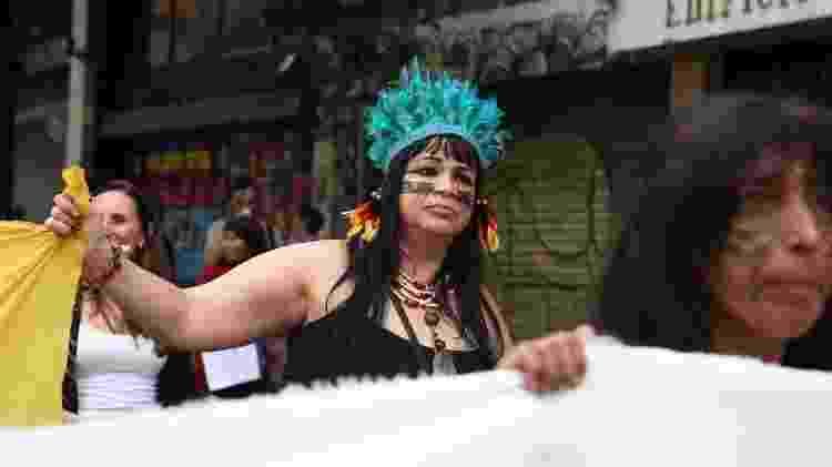 """Roseli Augusto Barbosa é neta de pataxós: """"Estou aqui para mostrar que mulheres indígenas são resistentes"""" - Gabriela Burdmann/UOL"""