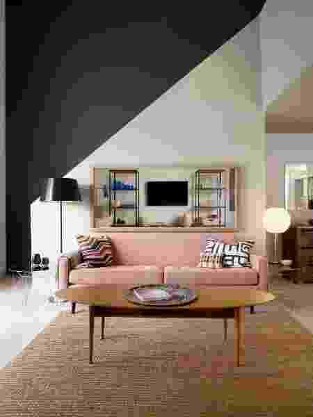 Parede meia cor na diagonal - Reprodução/Pinterest - Reprodução/Pinterest
