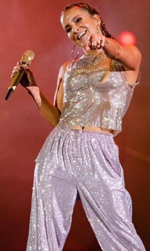 Claudia Leitte falou sobre saudade dos palcos