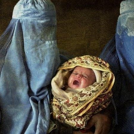 Sob o regime do Talebã, mulheres afegãs precisam cobrir todo o corpo  - Getty Images
