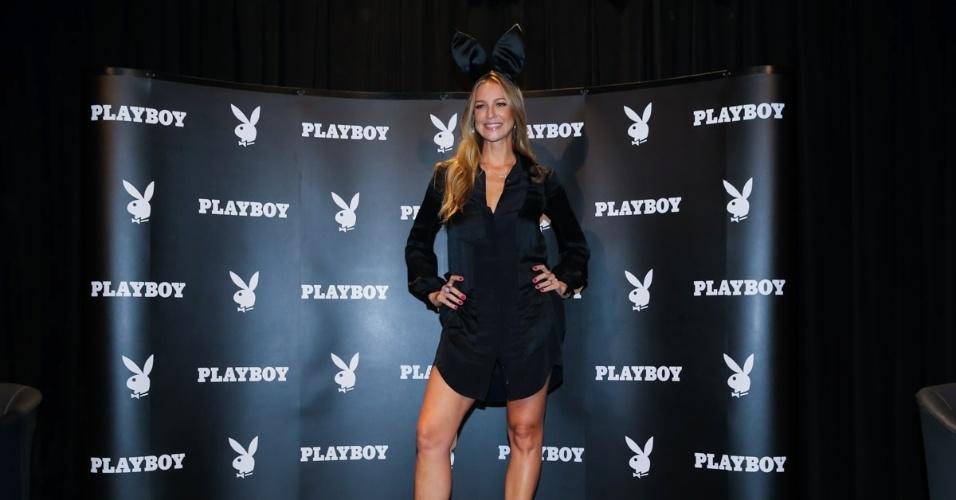 4.fev.2015 - Aos 39 anos, Luana Piovani posa para fotos no lançamento da nova