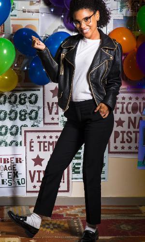 """Ellen (Heslaine Vieira) se fantasia de Michael Jackson para festa anos 80 de """"Malhação: Viva a Diferença"""""""