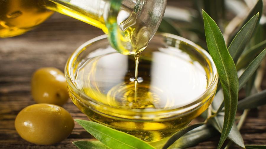 Ministério da Agricultura proíbe a comercialização de nove marcas que vendiam óleo de soja como se fosse azeite de oliva  - Getty Images