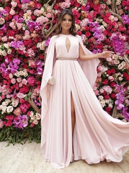c298b68593 Madrinha de casamento  confira dicas de especialistas para escolher vestido