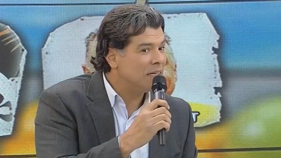 """Mauricio Mattar pergunta """"quem assiste a Dona Xepa"""" no """"Programa da Tarde"""", em 2013 - Reprodução/Record"""