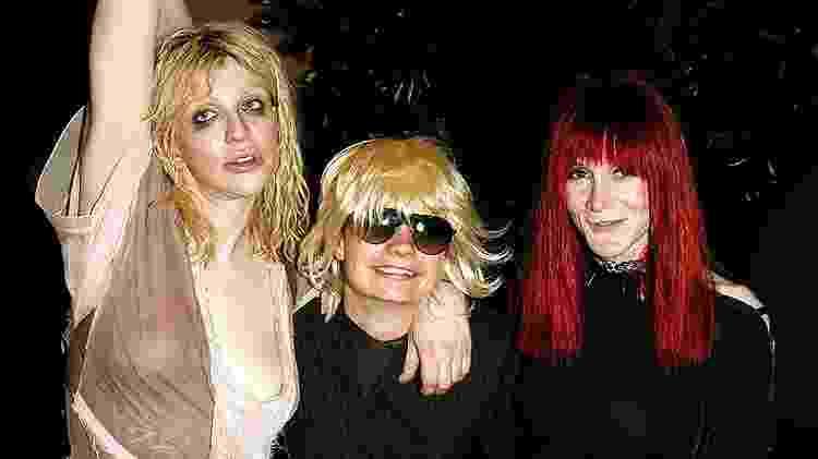 Foto real de Savannah Knopp, Laura Albert e a cantora Courtney Love - Divulgação - Divulgação