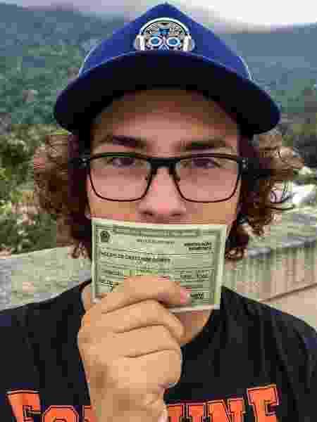 Fhelipe Gomes vota pela primeira vez aos 17 anos - Reprodução/Instagram/fhelipegomes