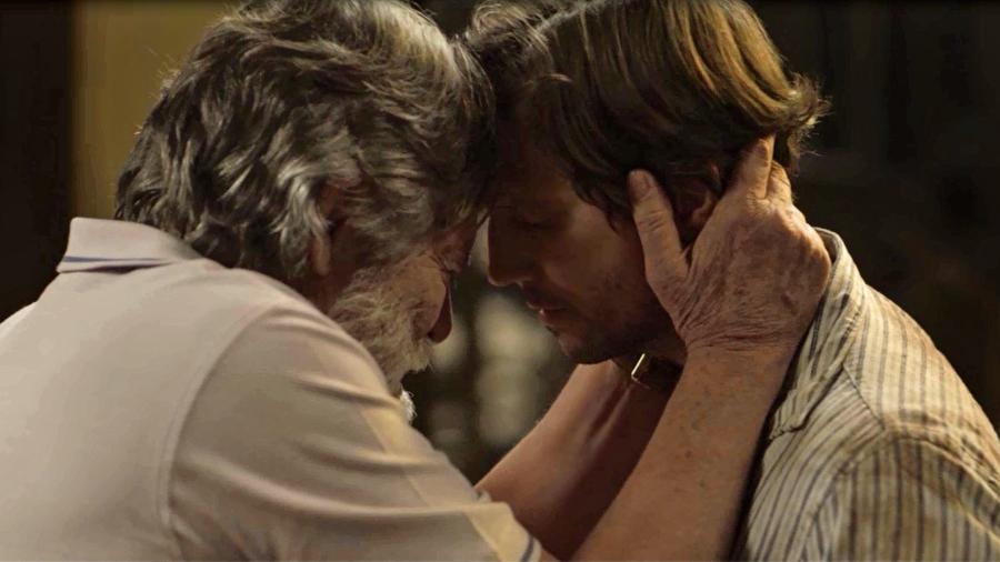 """Dodô se emociona ao reencontrar Remy em """"Segundo Sol"""" - Reprodução/Globo"""