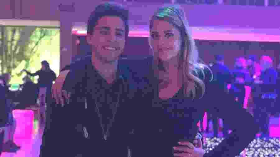 Maria Cavalcante com o namorado, o cantor Cauan Jolt - Felipe Pinheiro/UOL