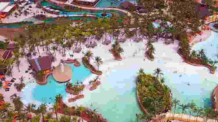 Vista aérea do parque aquático Hot Beach - Divulgação