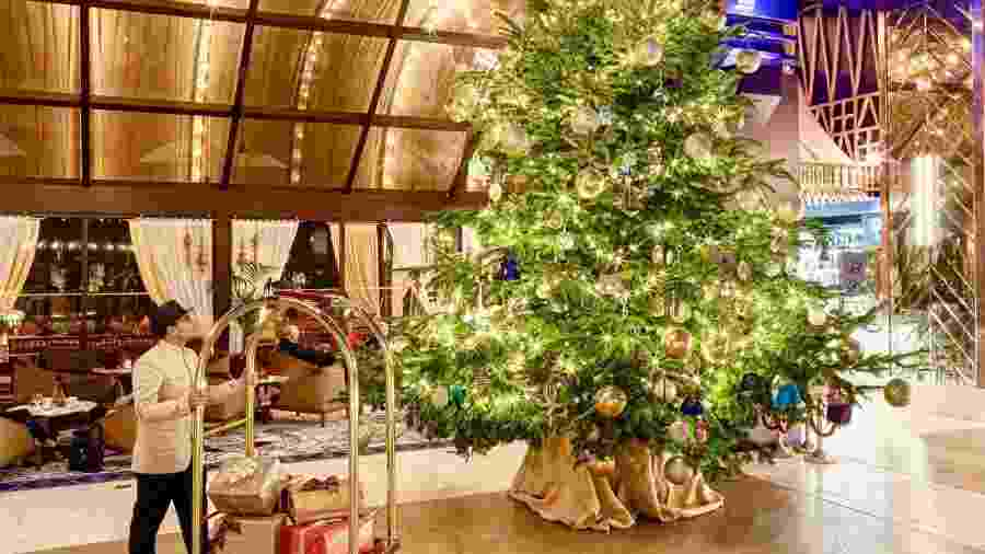 Árvore milionária de Natal está no saguão do hotel Kempinski Hotel Bahia - Divulgação