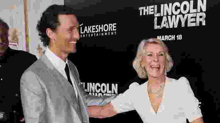 Matthew McConaughey e sua mãe, Kay  - Getty Images - Getty Images