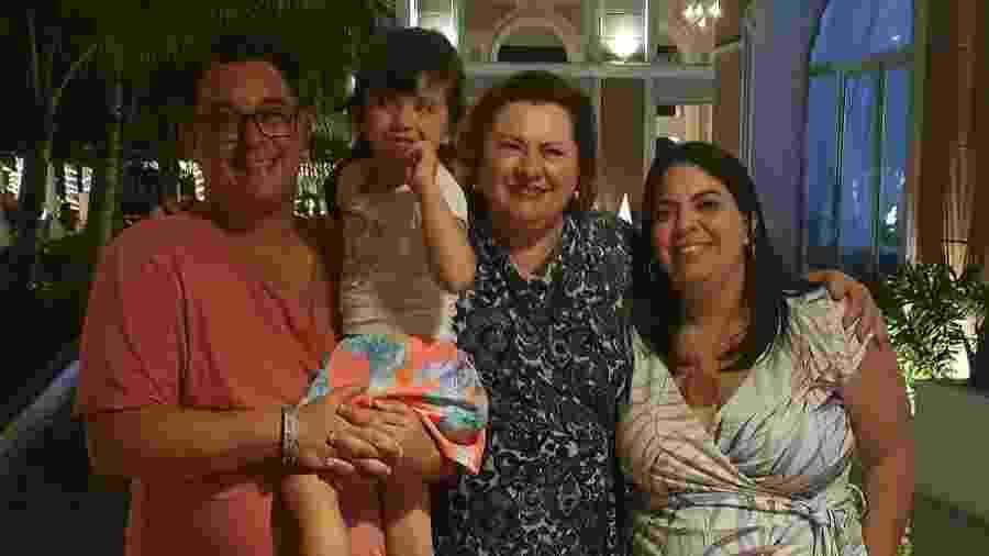 Cida com a neta Melissa, a filha Luciana e o genro Daniel - Arquivo Pessoal