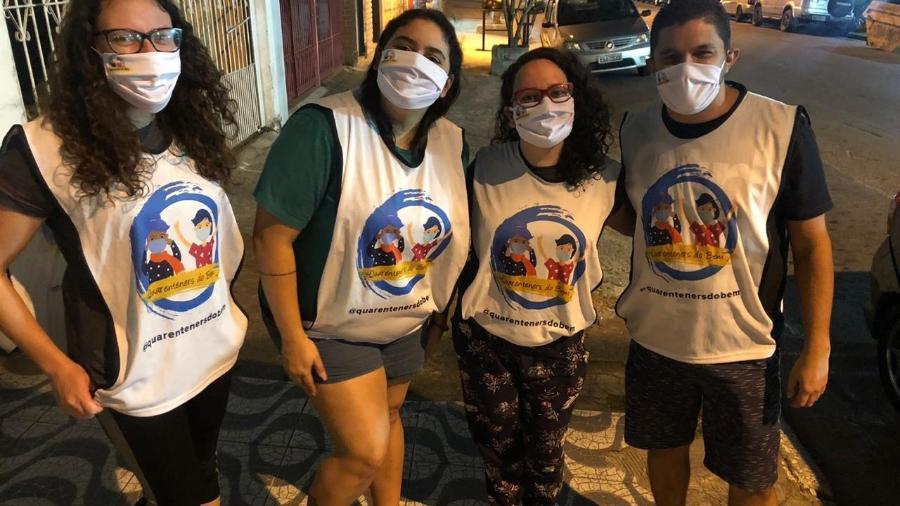 Desde março, grupo de amigos da Cidade Tiradentes prepara e entrega refeições para quem vive nas ruas - Arquivo Pessoal