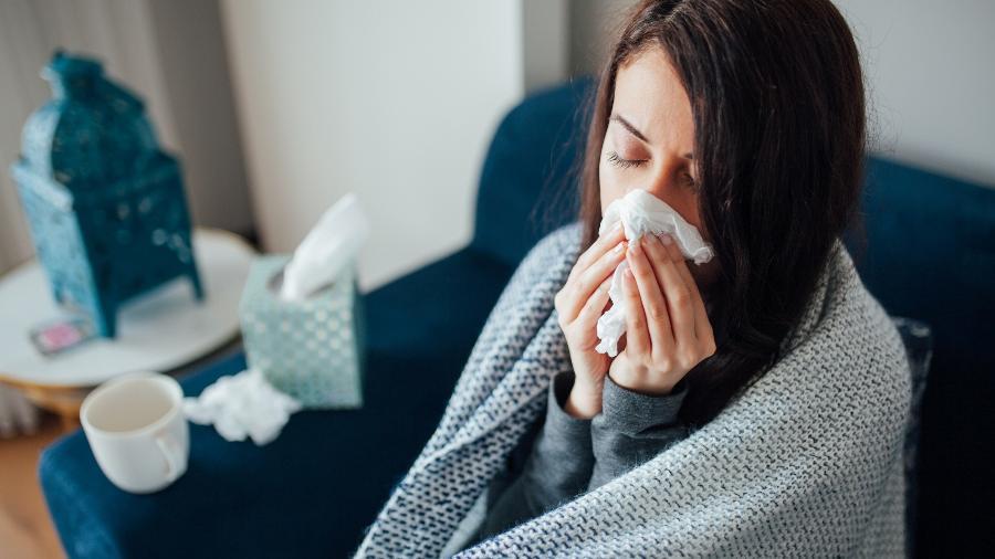 Os dias frios, comuns no inverno, colaboram para o aumento de doenças respiratórias - Getty Images