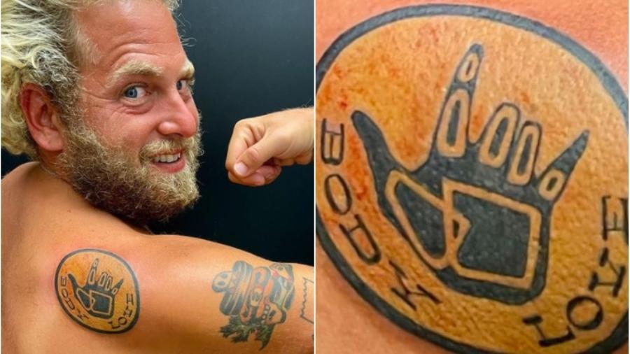Jonah Hill mostra tatuagem que fez com mensagem positiva sobre o corpo - Reprodução/Instagram @jonahhill