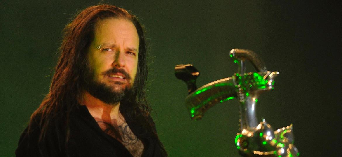 19.set.2015 - O vocalista do Korn Jonathan Davis se apresenta no palco Sunset no segundo dia do Rock in Rio 2015 - Dhavid normado/Agência Estado