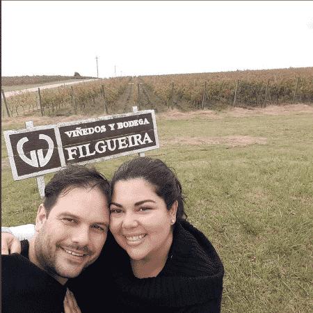 Fabiana Karla posa com o marido - Reprodução/Instagram