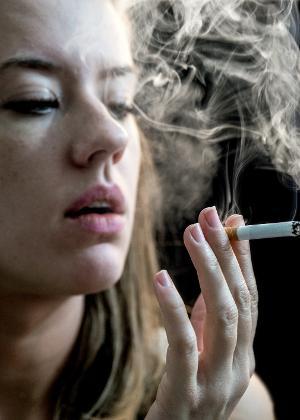Cigarro é inimigo da pele