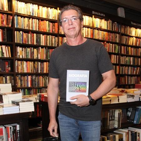 """Boninho durante o lançamento do livro """"Biografia da TV Brasileira"""" - Wallace Barbosa/AgNews"""