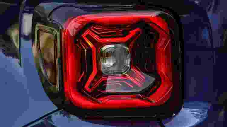 Estas são as novas lanternas traseiras em LED do Renegade... europeu. Queríamos muito que ela estivesse no facelift brasileiro, mas por aqui não vai rolar, pelo menos por enquanto - Divulgação