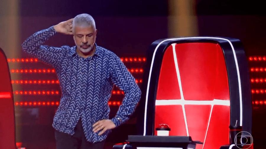 """Lulu Santos dança em apresentação de candidata no """"The Voice Brasil"""" - Reprodução/Rede Globo"""