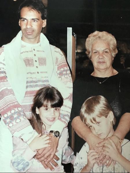 Kayky e Sthefany Brito com o pai e a avó - Reprodução/Instagram