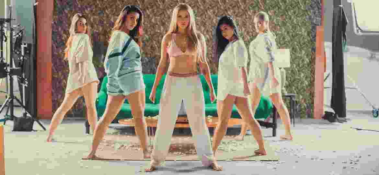 """Luísa Sonza (centro) em cena do clipe de """"Nunca Foi Sorte"""" - Zeus"""