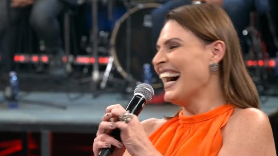 """Laura Muller se diverte com pergunta no """"Altas Horas"""" - Reprodução/Globo"""